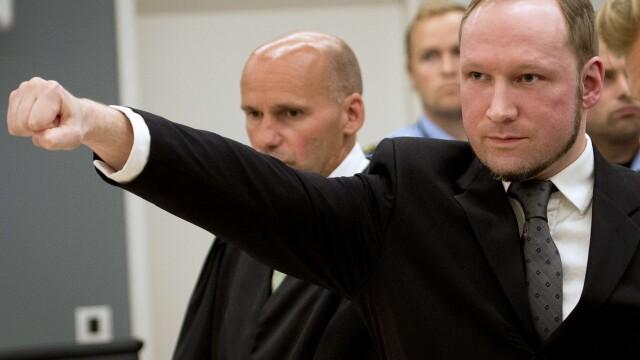 Anders Breivik, autorul masacrului din Norvegia, se plange de \