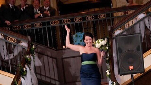 Poza de nunta pe care mirele vrea sa o distruga pe vecie. In ce ipostaza l-a surprins fotograful