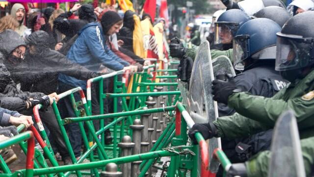 Protestele anti-austeritate de la Frankfurt s-au incheiat. Peste 1.000 de oameni au iesit in strada - Imaginea 4