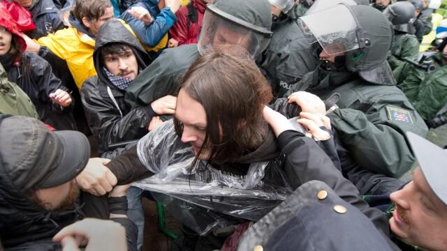 Protestele anti-austeritate de la Frankfurt s-au incheiat. Peste 1.000 de oameni au iesit in strada - Imaginea 3