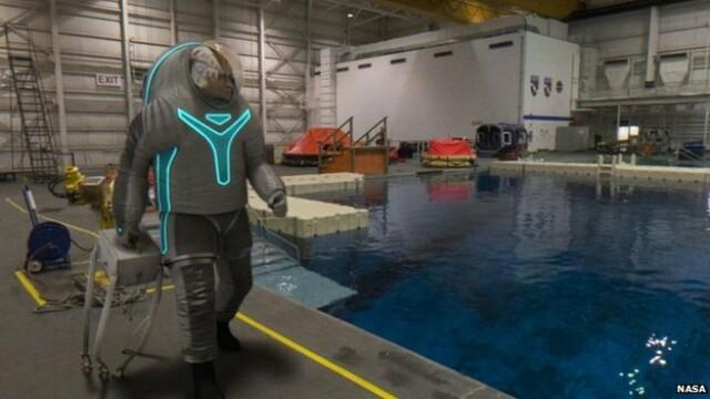 Ce o sa fie la moda pe Planeta Rosie. NASA a prezentat prototipul costumulului care va fi purtat de astronauti pe Marte - Imaginea 2