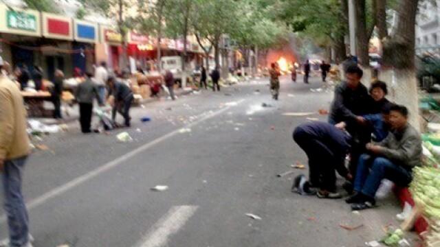 Atentat in China. 31 de morti si 94 de raniti dupa explozia a doua masini, in centrul orasului Urumqii