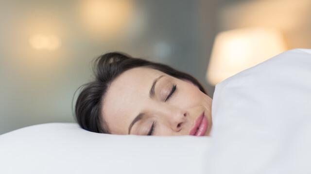 Problemele cu somnul pot deveni istorie. Un expert scolit la Harvard a dezvoltat o tehnica pentru a adormi in 60 de secunde