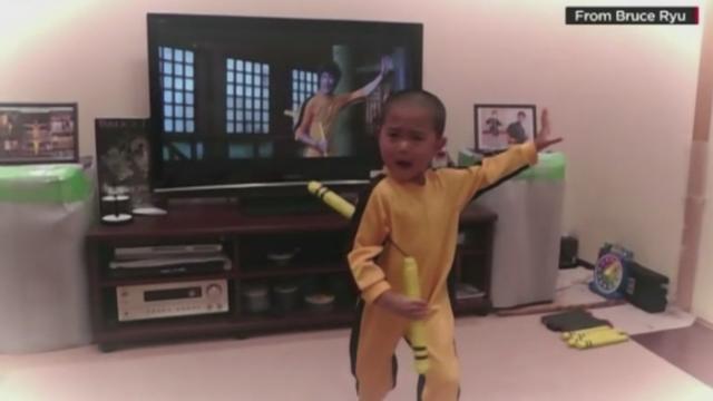 Mini Bruce Lee - Stiri
