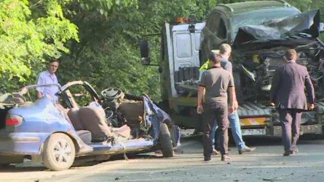 Grav accident pe DN1, in apropiere de Capitala. Doi tineri au murit dupa ce doua masini s-au ciocnit violent