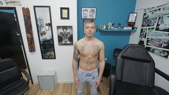 Iubita refuza sa se casatoreasca cu el din cauza tatuajelor de pe corp. Cum arata tanarul de 31 de ani fara tricou. FOTO - Imaginea 2