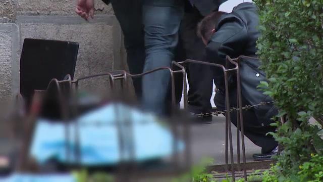 Tragedie in Oradea. Doi tineri de 17 si 20 de ani au murit dupa ce s-au prabusit de pe acoperisul unui bloc cu zece etaje