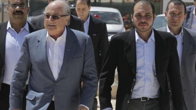 Sepp Blatter ramane presedinte al FIFA, dupa retragerea lui Ali Bin Al-Hussein. Primele declaratii ale celor doi - Imaginea 7