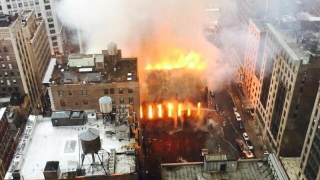Incendiu urias la o biserica istorica din New York. Cinci persoane au fost ranite