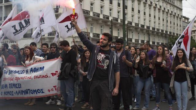 15.000 de oameni au iesit in strada in Grecia, in cele mai mari orase din tara. Pentru ce protesteaza grecii - Imaginea 4