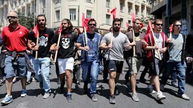 15.000 de oameni au iesit in strada in Grecia, in cele mai mari orase din tara. Pentru ce protesteaza grecii - Imaginea 5