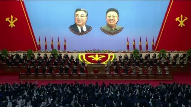 Jurnalistii straini, plimbati prin Coreea de Nord de un ghid vigilent in timpul congresului Partidului Muncitorilor