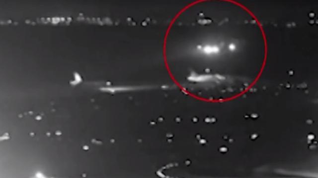 Momentul în care un avion a fost aproape să aterizeze peste alte 4 aeronave