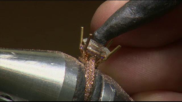 Diamantele create în laborator, claritate superioară și preț mai mic. Costul unei pietre de 2 carate