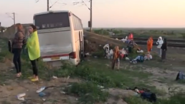 8 răniți în urma coliziunii între un autocar și un autoturism, în Brăila. VIDEO