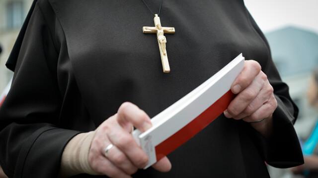 Călugărițele, sfătuite să comunice mai mult cu Dumnezeu și mai puțin pe rețelele sociale
