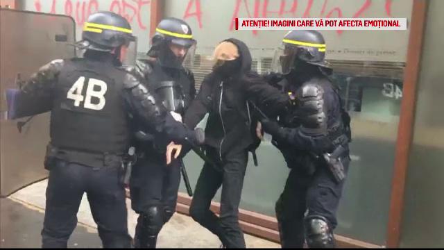 Lupte de stradă, în Paris, în urma unor proteste ale funcționarilor publici