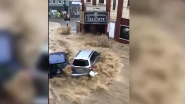 Inundații devastatoare în Maryland. Doi miri și nuntașii lor, evacuați din biserică