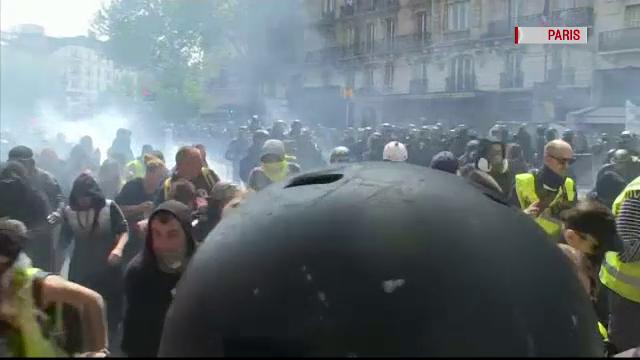 Proteste de amploare de Ziua Muncii. Zona din Rusia unde oamenii au purtat veste galbene - Imaginea 1