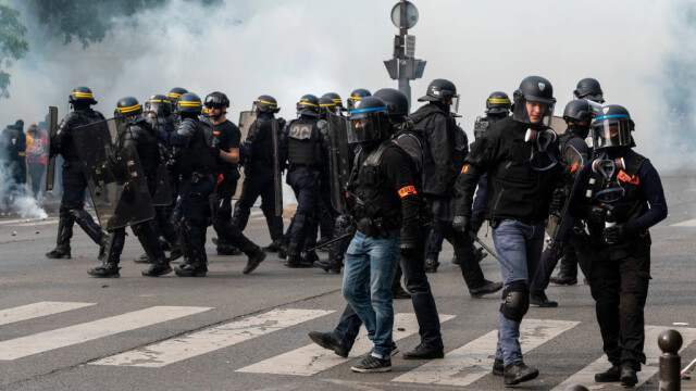 Proteste de amploare de Ziua Muncii. Zona din Rusia unde oamenii au purtat veste galbene - Imaginea 8