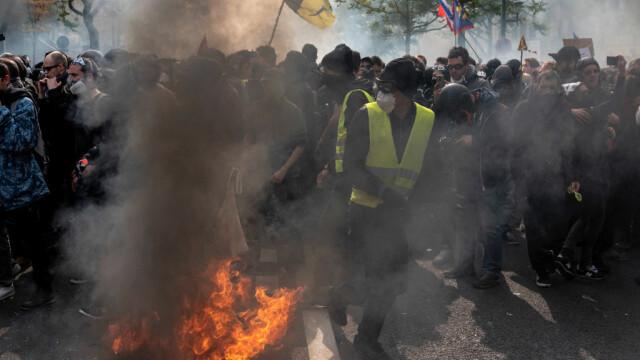 Proteste de amploare de Ziua Muncii. Zona din Rusia unde oamenii au purtat veste galbene - Imaginea 5