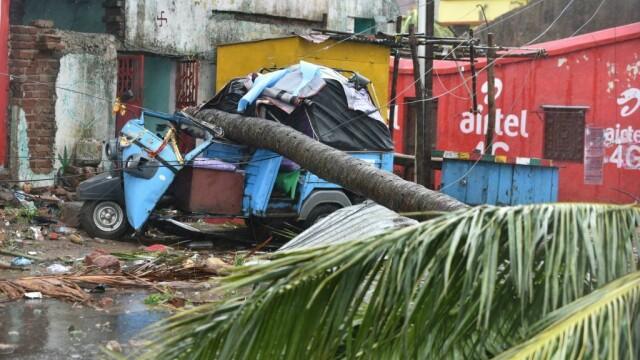 India, lovită de cel mai puternic ciclon din ultimii 20 de ani. Bilanțul e devastator. FOTO - Imaginea 7