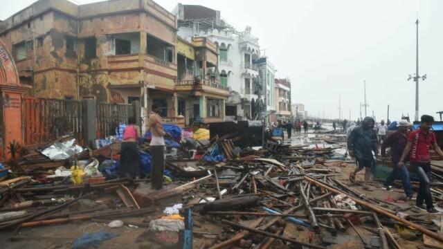 India, lovită de cel mai puternic ciclon din ultimii 20 de ani. Bilanțul e devastator. FOTO - Imaginea 4