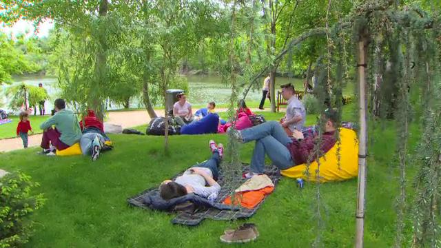 Cât au scos bucureștenii din buzunar pentru un picnic organizat de chefi profesioniști