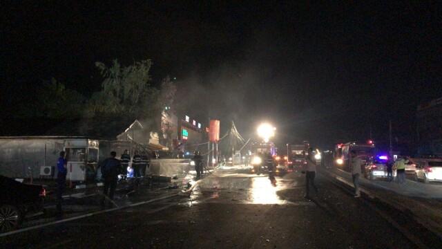 Incendiu la un restaurant în Afumați. O mașină a intrat într-o țeavă de gaze - Imaginea 3