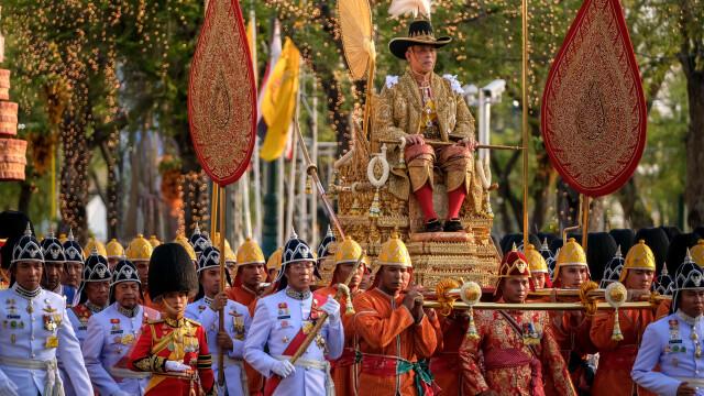 Paradă uriașă după încoronarea noului rege al Thailandei
