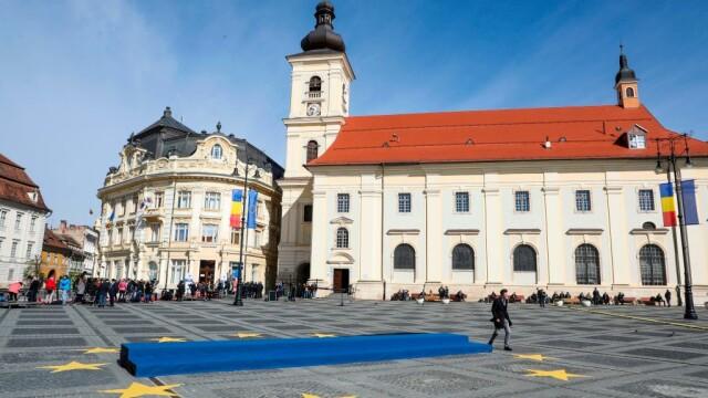Summitul de Sibiu, marcat de trei proteste diferite. Au intervenit jandarmii. FOTO - Imaginea 1