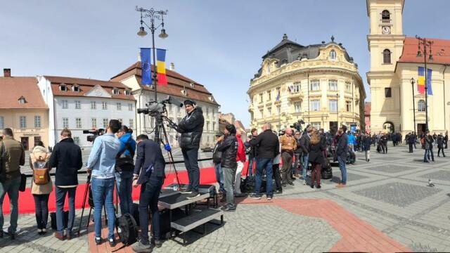 Summitul de Sibiu, marcat de trei proteste diferite. Au intervenit jandarmii. FOTO - Imaginea 2