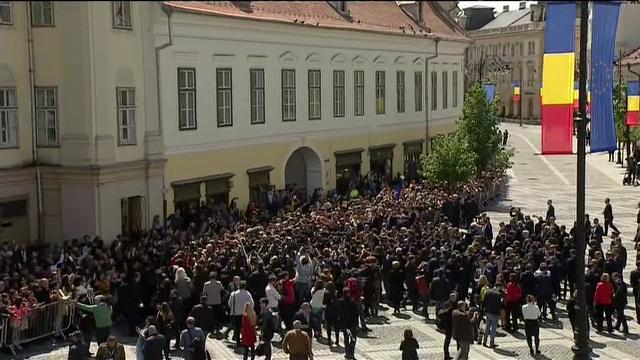 """Momentul în care oamenii au scandat """"Europa!"""" în Sibiu. Iohannis şi liderii UE, baie de mulţime"""