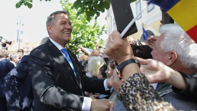 """Momentul în care oamenii au scandat """"Europa!"""" în Sibiu. Iohannis şi liderii UE, baie de mulţime - Imaginea 3"""