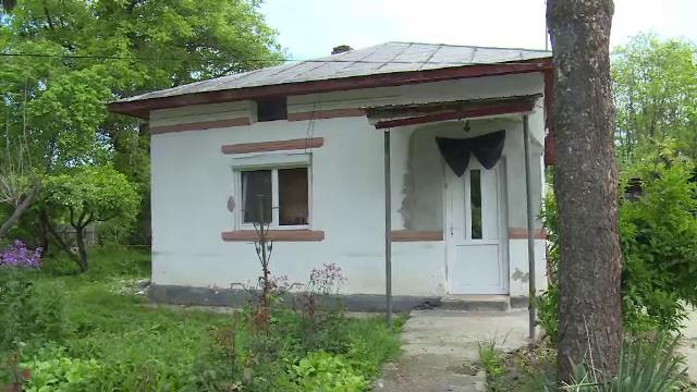 Asistent medical găsit fără suflare în locuinţa sa. Ipoteza anchetatorilor