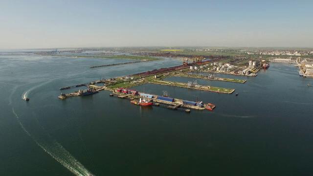 Infractorii cibernetici țintesc spre navele comerciale. România, în zona de risc