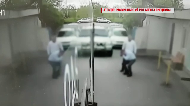 Momentul în care un polițist din Brașov lovește cu brutalitate un șofer de autobuz