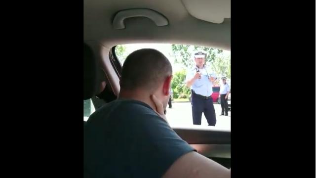dialog intre un sofer si un politist