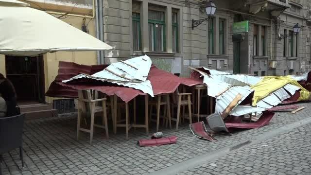 Prăpăd în Timișoara, după o furtună puternică. Vremea devine instabilă în toată țara
