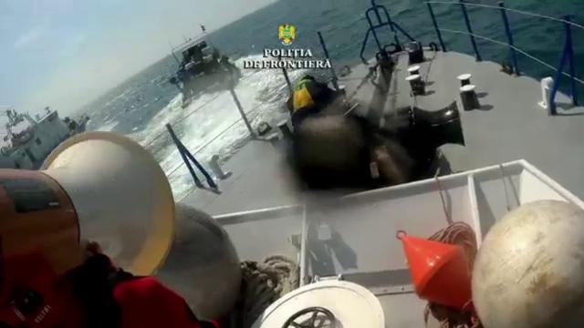 Ce au păţit marinarii turci prinşi cu focuri de armă când braconau calcan în Marea Neagră