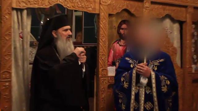 Povestea preotului care și-a filmat cumnata minoră la baie. Ce i-a descoperit soția în telefon