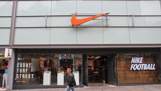 Gafă de proporții la Nike: de ce a fost retras de la vânzare cel mai nou model de pantof sport - Imaginea 1