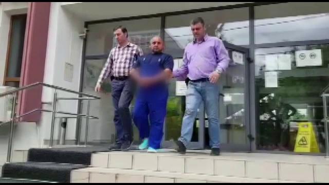 Reținut după ce a încercat să violeze o minoră, în scara blocului. Cum a scăpat