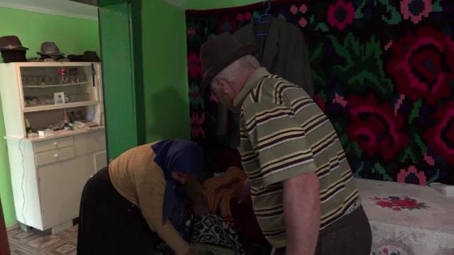 """Cum au rămas doi soți din Iași fără banii """"de înmormântare"""": 18.500 euro"""