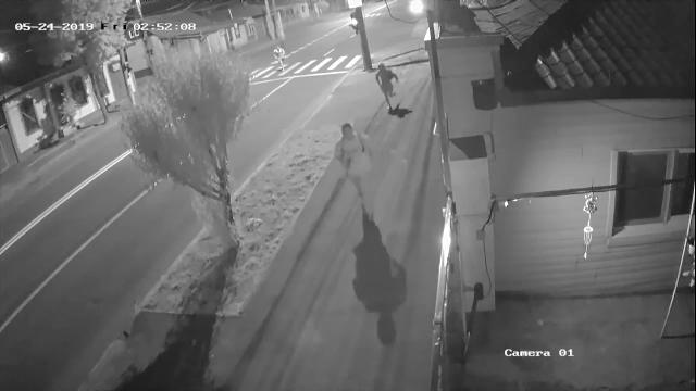Crimă filmată în Galați. Tatăl a 2 copii a fost zdrobit cu bâtele şi înjunghiat în inimă - Imaginea 1