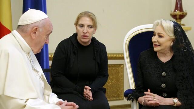 Premierul Dăncilă a avut o audienţă privată la Papa Francisc. Ce au discutat. VIDEO - Imaginea 3