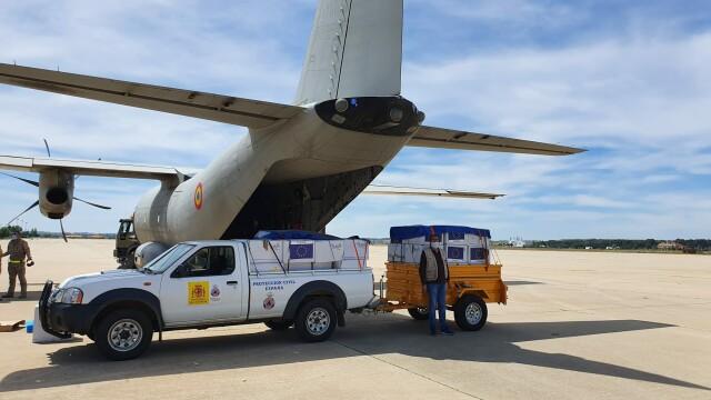 România a trimis 90.000 de măști de protecție în Spania, cu o aeronavă militară