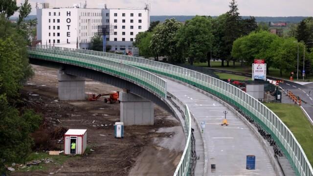 Cum arată linia de cale ferată dintre aeroport şi Gara de Nord. Ministrul Transporturilor, despre stadiul lucrărilor - Imaginea 1