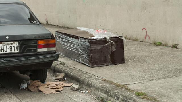 Sute de cadavre depozitate pe străzi sau pierdute în spitale și morgi într-un oraș din Ecuador. GALERIE FOTO - Imaginea 6