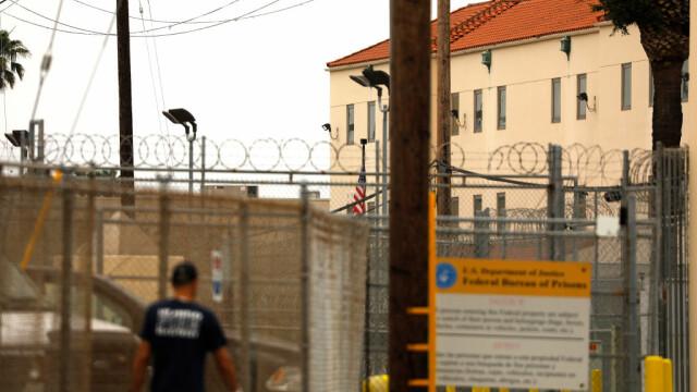 Deținuții americani încearcă să se infecteze cu coronavirus pentru a fi eliberați